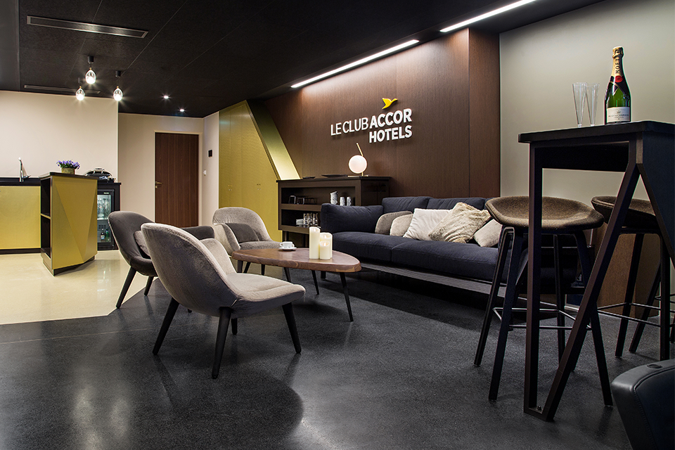 accorhotels-arena-espaces-vip-design-sensoriel-luxe-ambiance-loges-materiaux-mobilier-5