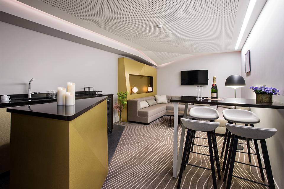 accorhotels-arena-palais-omnisports-bercy-espaces-vip-design-sensoriel-materiaux-mobilier-loges-amenagement-premium-2