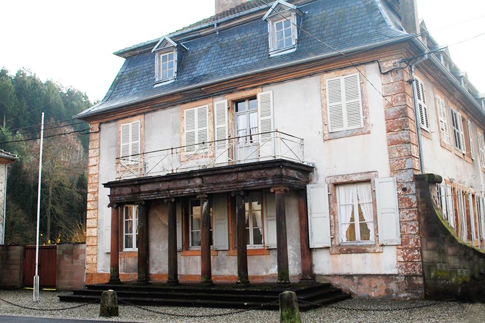 cristallerie-saint-louis-hermes-projet-d-architecte-d-interieur-amenagement-showroom-accueil-client-1